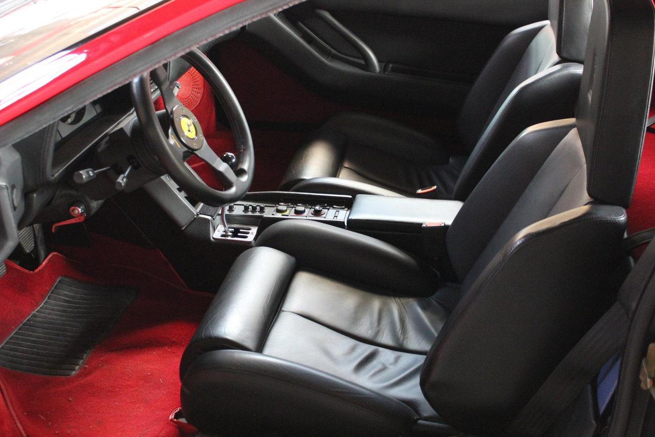 Czym wyczyścić tapicerkę w samochodzie?