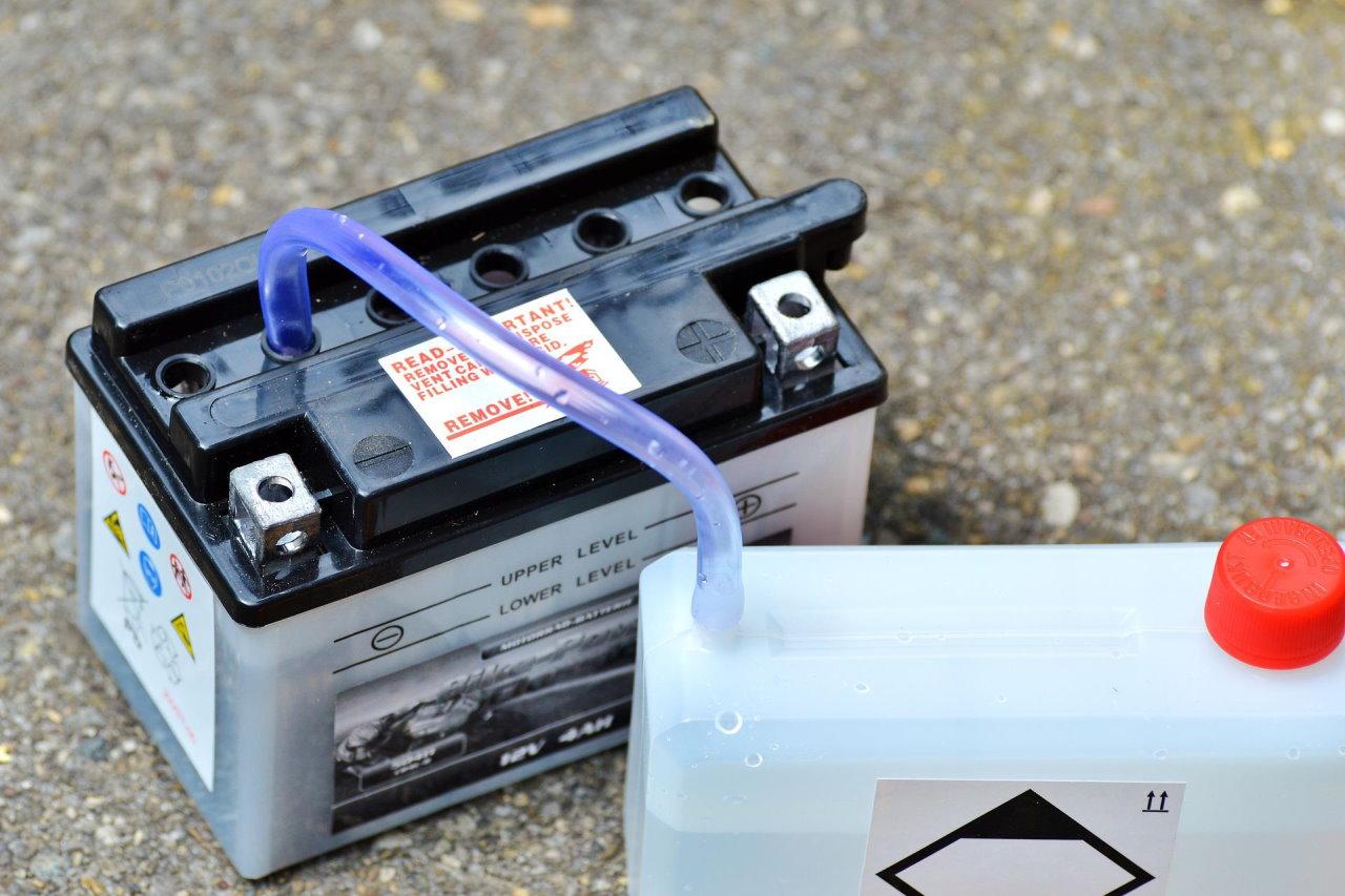 Jak sprawdzić, czy akumulator jest jeszcze dobry? Kiedy go wymienić?